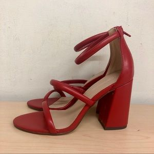 💋 Red block heel sandals by bcbgeneration